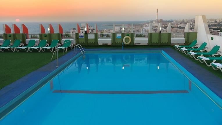 Grand Beach hotel pool